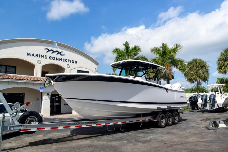 Blackfin 332CC Center Console