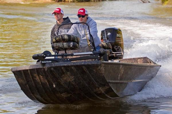 Lowe Boats Roughneck 1760 Pathfinder