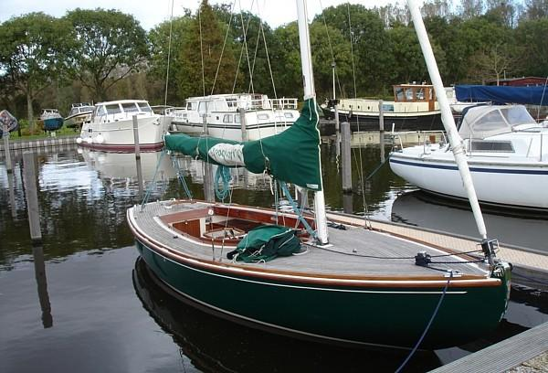 Tofinou 7 moored in 2011