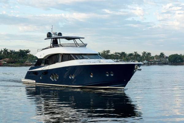 Monte Carlo Yachts MCY 76 MCY 76