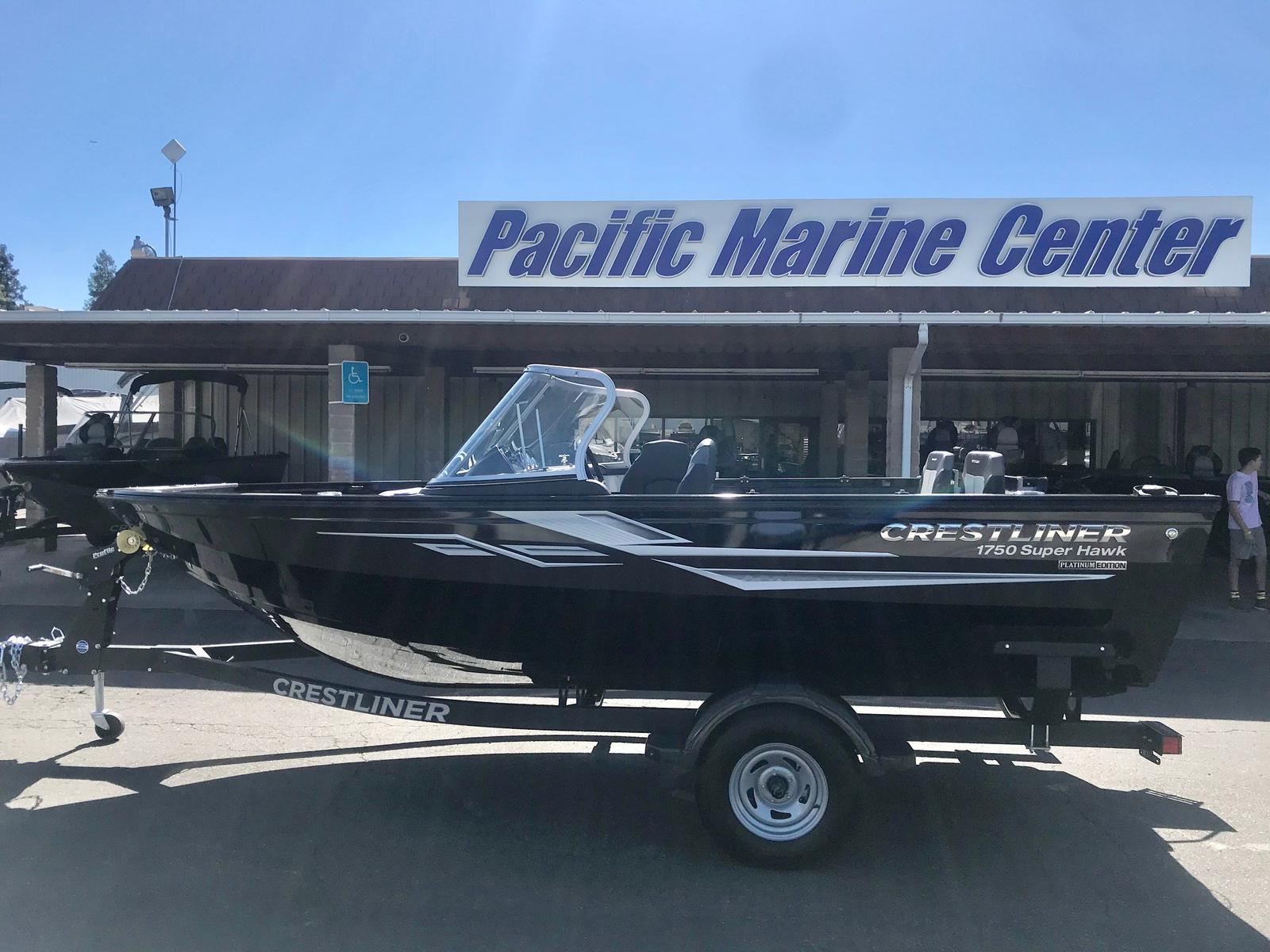 Crestliner 1750 Super Hawk w/ 150 HP Mercury!