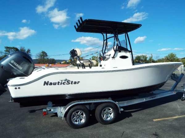 NauticStar 22 XS
