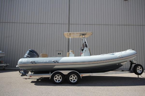 Zodiac Medline 740 NEO T-Top 250hp DEC In Stock
