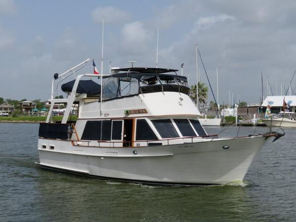 Island Gypsy Flush Aft Deck with Hard Top