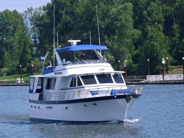 De Fever 53 Performance Offshore Cruiser Underway