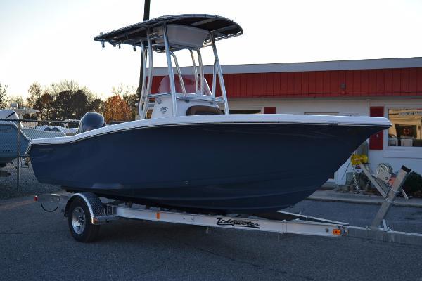 Tidewater Boats 198 CC