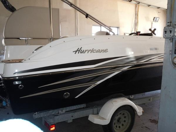Hurricane SunDeck Sport 188 I/O