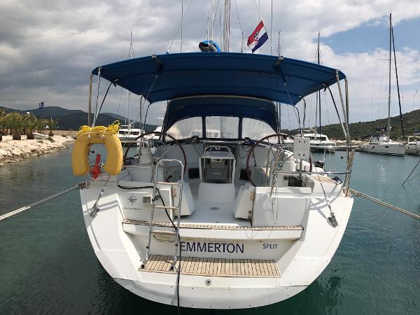 Jeanneau Sun Odyssey 44i Stern