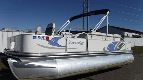 Lowe SS204 (Fishing pontoon)