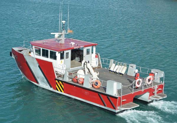 Work Boat Work Boat 1004BSB - Underway
