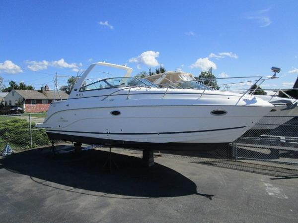 Rinker 300 Express Cruiser