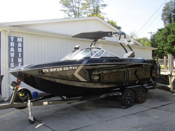 Nautique Super Air Nautique G23 Port Bow