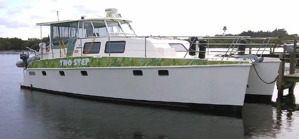 Endeavour Catamaran 44 Profile