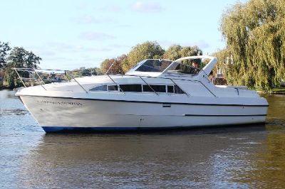Sheerline 950 Tri Cabin