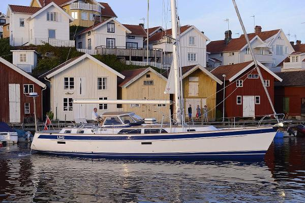 Hallberg-Rassy 48 Manufacturer Provided Image