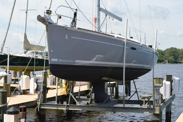 Beneteau 37 Beneteau 37 - On the Lift