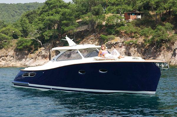 Grand Azur Classic 33 Manufacturer Provided Image