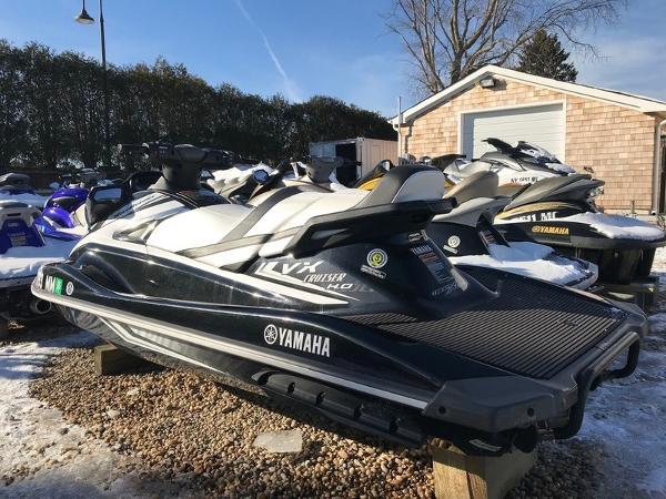 Yamaha Boats VX® Cruiser HO®