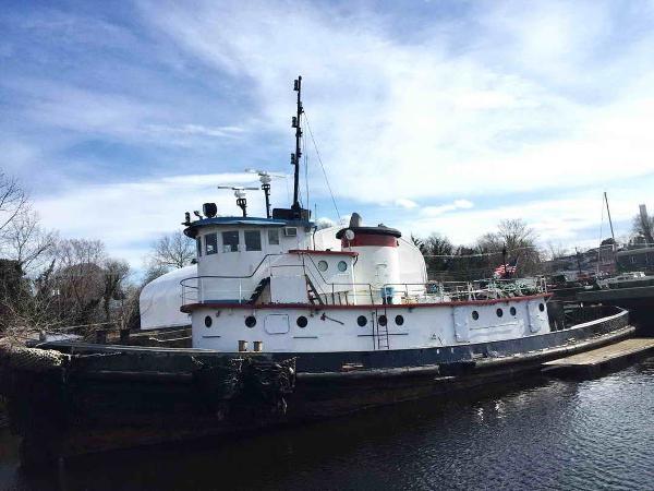 Tugboat Ira S. Bushey built
