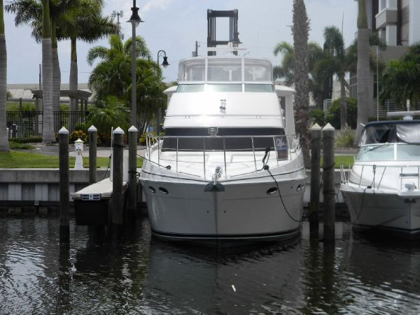 Carver WE BUY USED BOATS 506 Motor Yacht