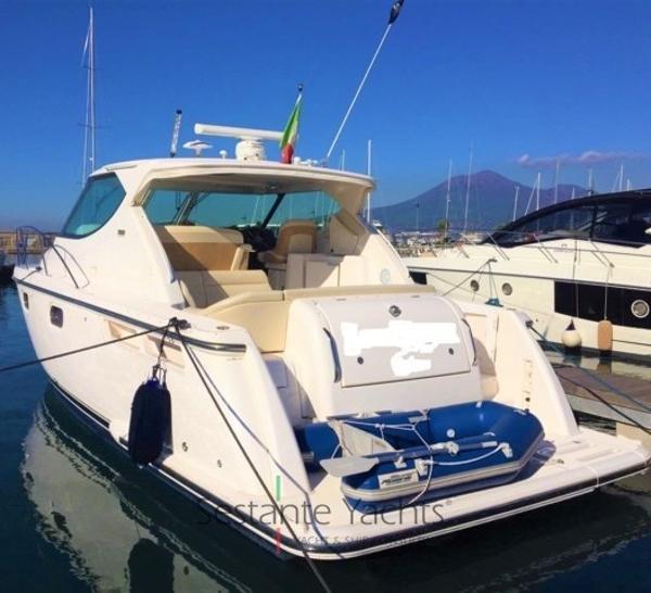 Tiara 3900 Sovran Tiara 3900 Sovran  (3) Sestante Yachts brokerage company
