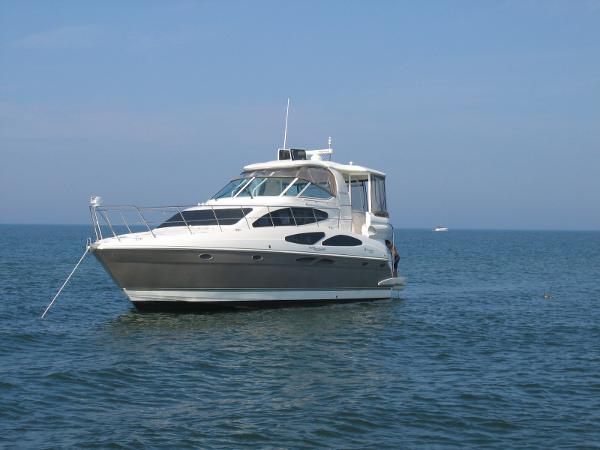 Cruisers 415 Motor Yacht