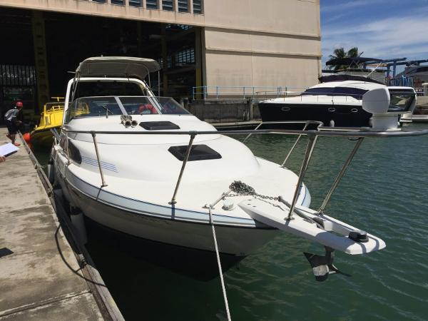 Bayliner Cabin Cruiser