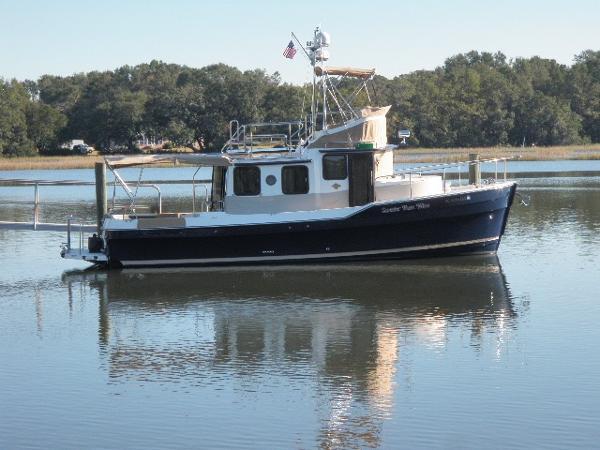 Ranger Tugs R31 Starboard Profile Dockside
