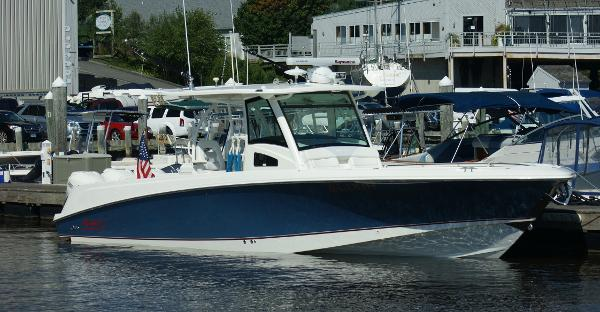Boston Whaler 370 Outrage port profile