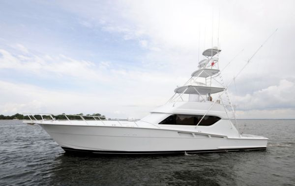 Hatteras 60 Convertible Photo 1