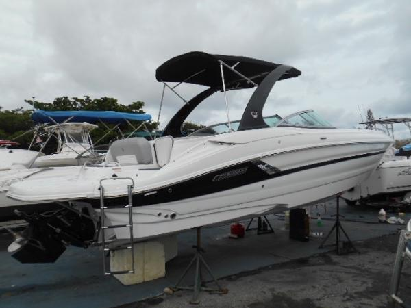 Cruisers Sport Series 298 Bow Rider
