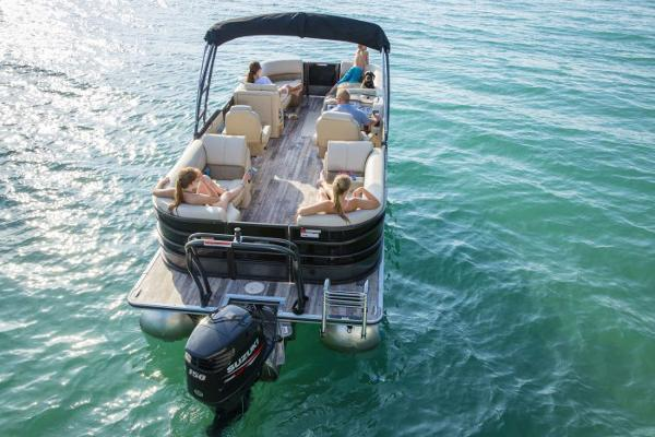 Crest Pontoon Boats Classic 230 SLC Manufacturer Provided Image