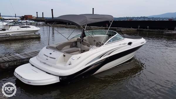 Sea Ray 240 Sundeck 2004 Sea Ray 240 Sundeck for sale in Stony Point, NY