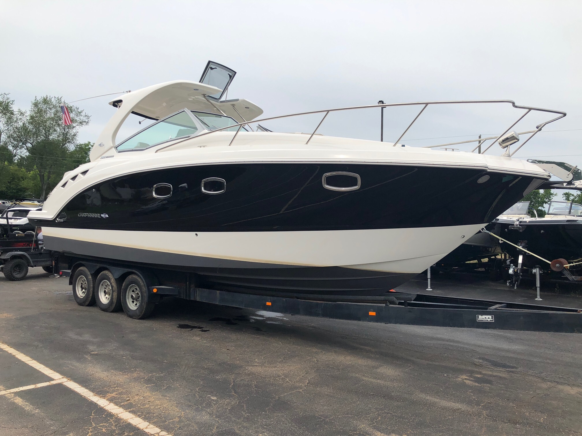 Chaparral 330 Signature