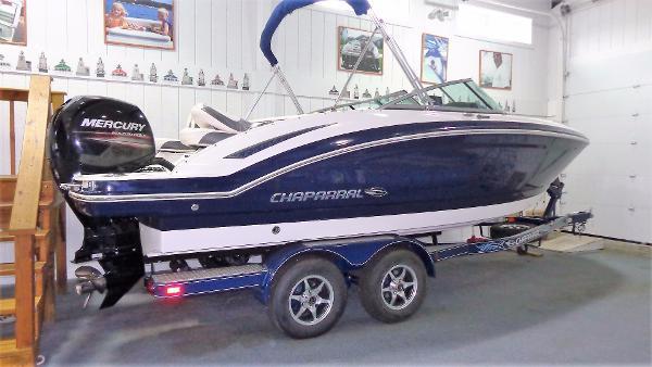 Chaparral 210 Suncoast Ski & Fish