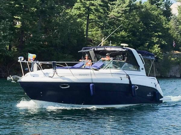 Rinker 320 Express Cruiser Touring the 1000 Islands