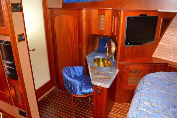 Fwd Stateroom Vanity & Entertainment