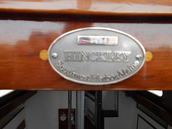 Hinckley Pilot Sloop