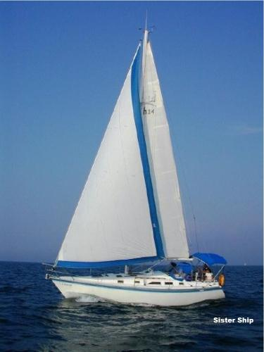 Hunter 34 Under Sail