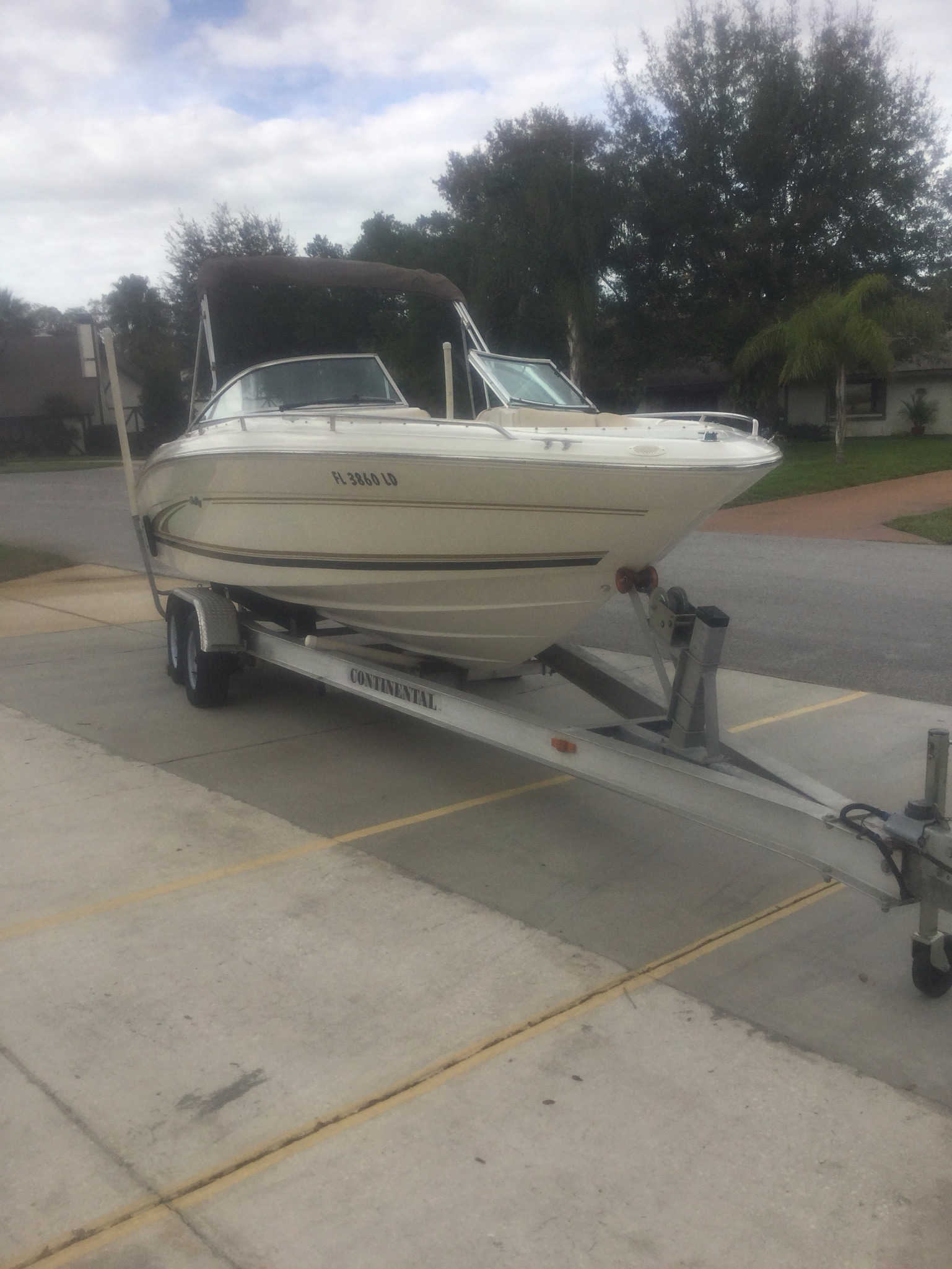 Sea Ray 230 Signature Bowrider