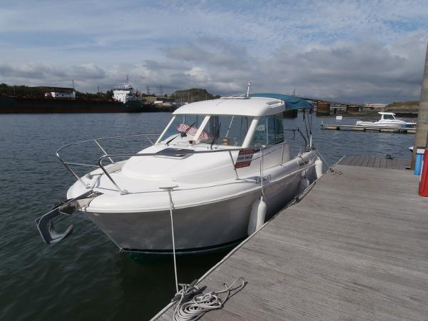 Jeanneau Merry Fisher 655 Alongside