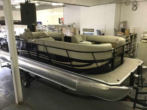 Bentley Pontoons 243 Cruise RE Tritoon