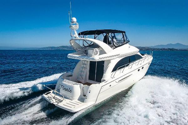 Meridian 411 Sedan Starboard Stern Profile