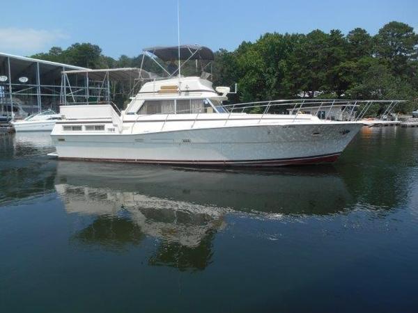 Viking 43 Double Cabin Motor Yacht Profile
