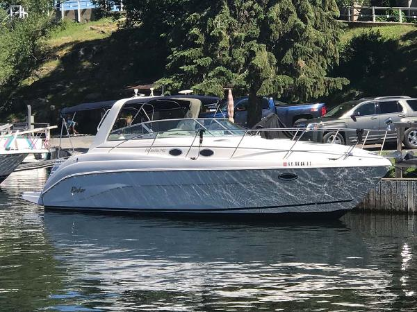 Rinker 342 Fiesta Vee Profile