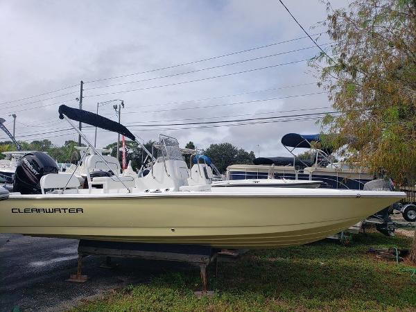 Clearwater 2100 bay star