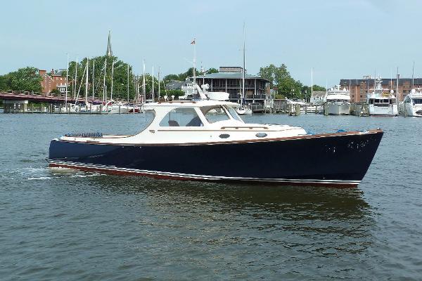 Hinckley Picnic Boat Classic Fiazi