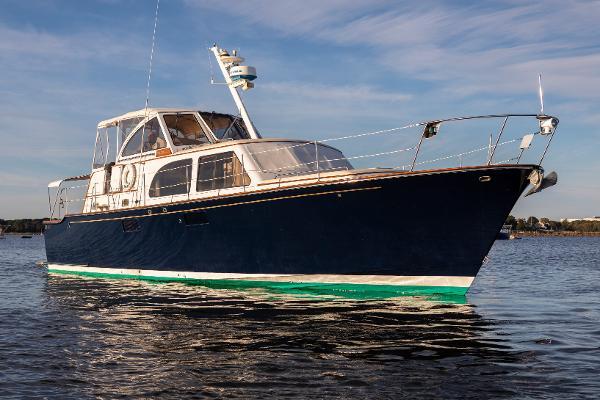 Concordia Deep V