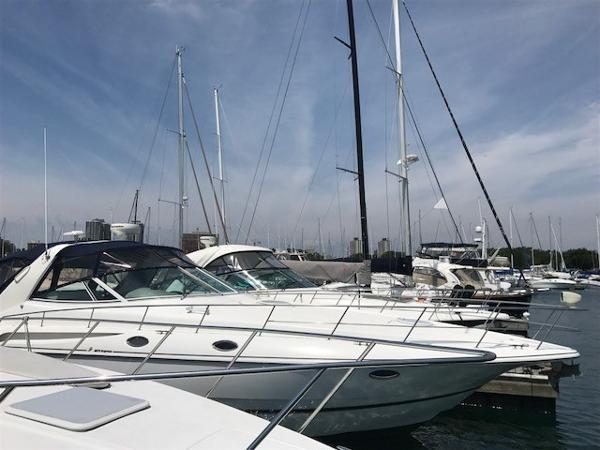 Cruisers Yachts 3870 Express