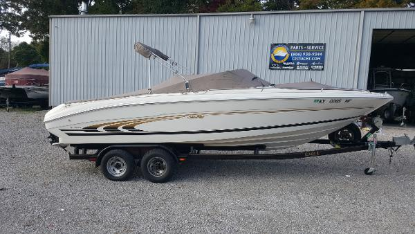 Sea Ray 230 Bow Rider Select